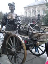 Statue of Molly Malone, Dublin